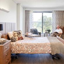 Premium Single Suite