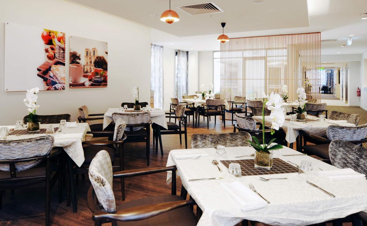 Ashfield Terrace dining