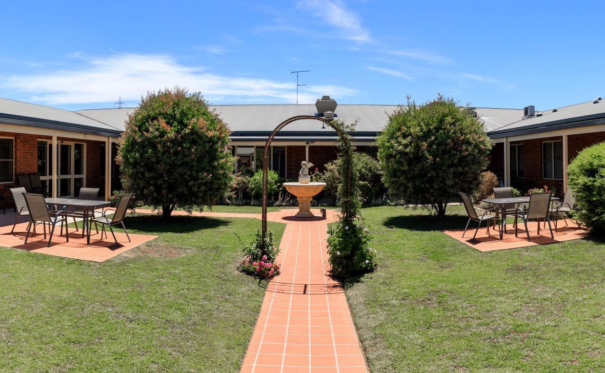 Highton Gardens courtyard