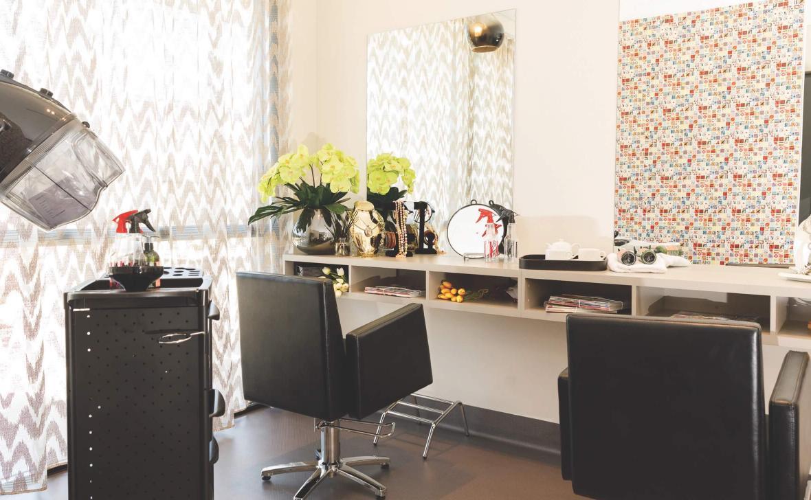 Kawana Waters hairdresser