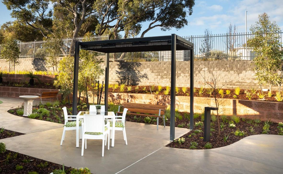 Carine Parkside outdoor seating