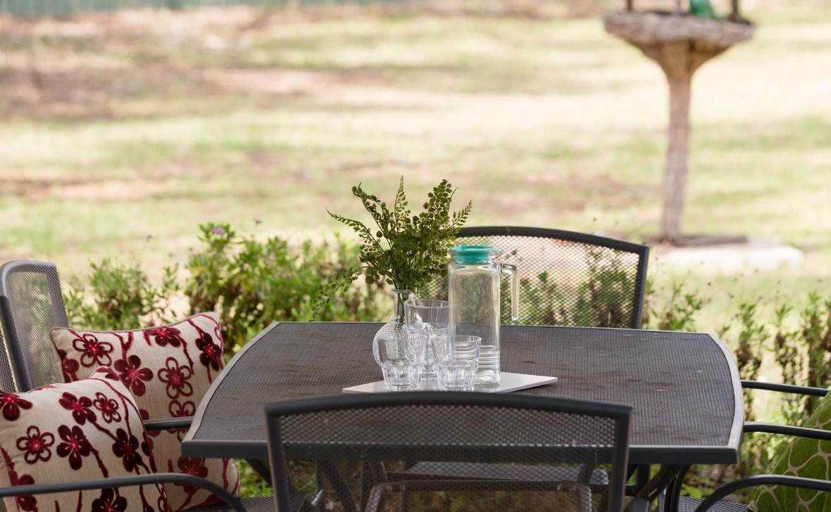 Narrandera Homestead outdoor table