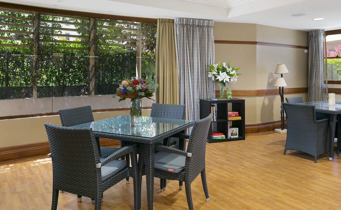 Chiswick Manor dining