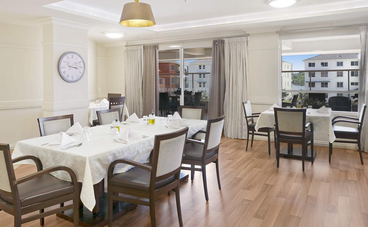 Opal Windward Manor dining