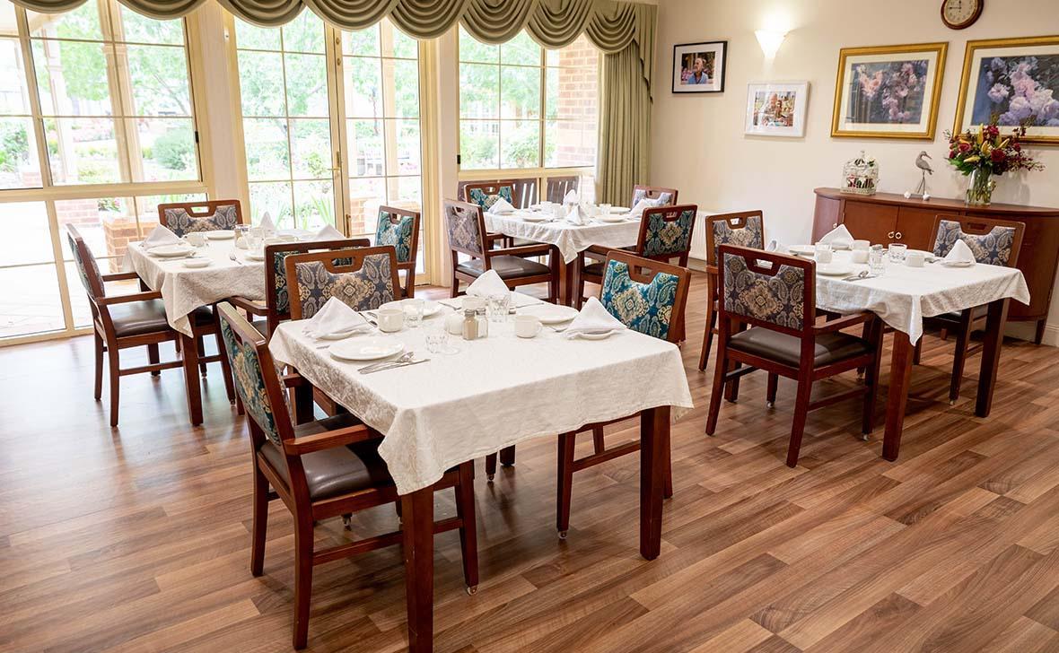 Bairnsdale Parklands_dining