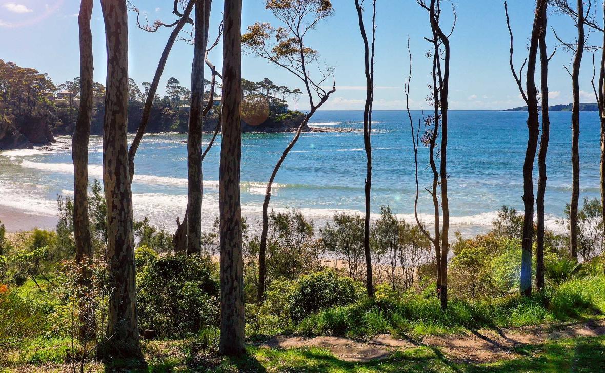 Opal_Denhams_Beach_view_2