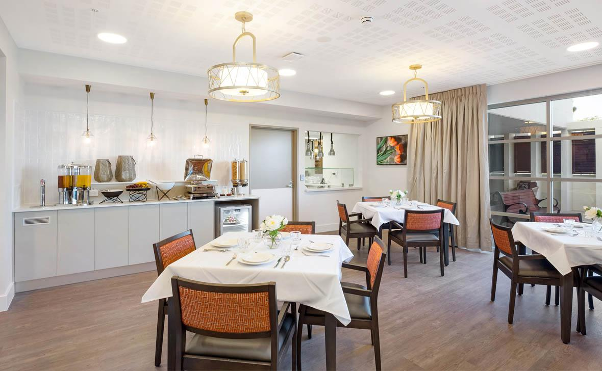 Meadowbank_Grove_Dining02