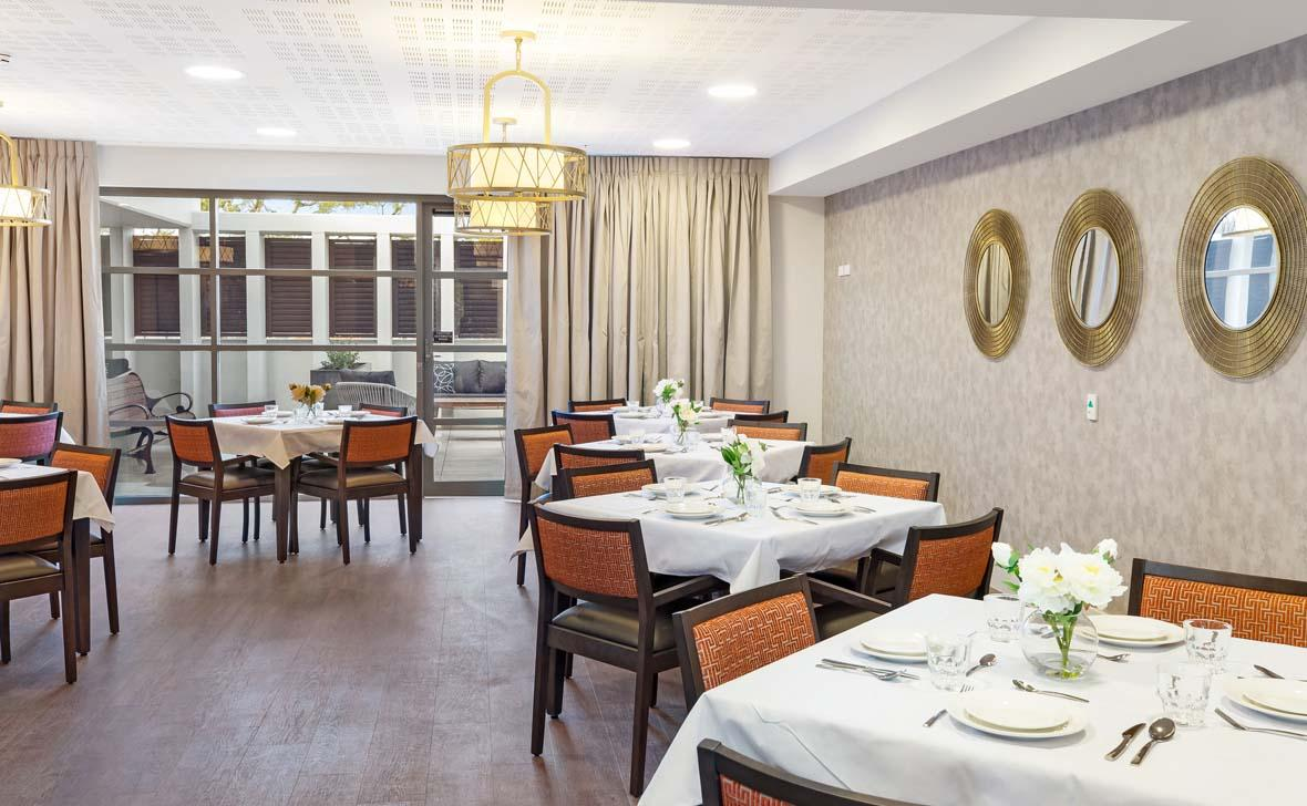 Meadowbank_Grove_Dining03