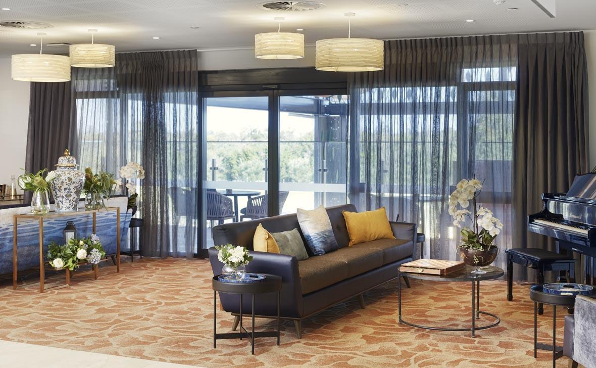 Treeby Lounge